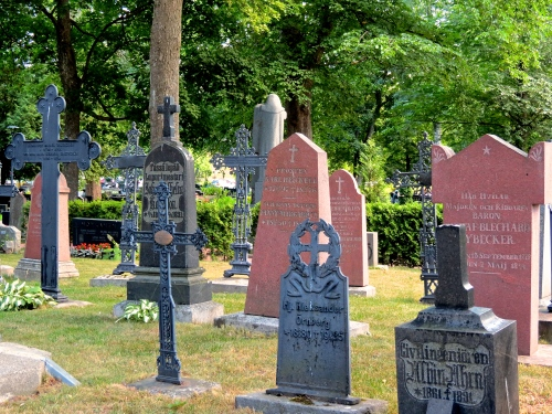 The cemetery at Naantali Church.