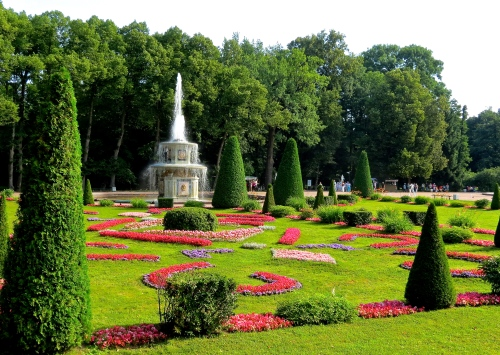 The formal, french-style gardens at Peterhof.