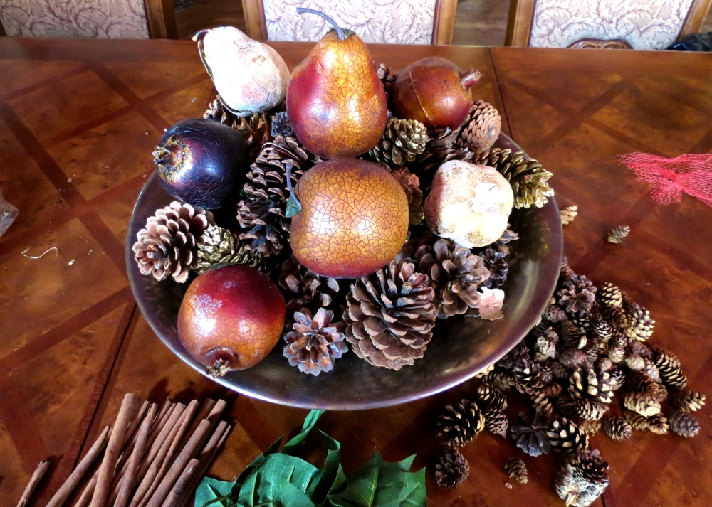 Decking the Halls For The Holidays: Part Four- The Easy Holiday Centerpiece (6/6)
