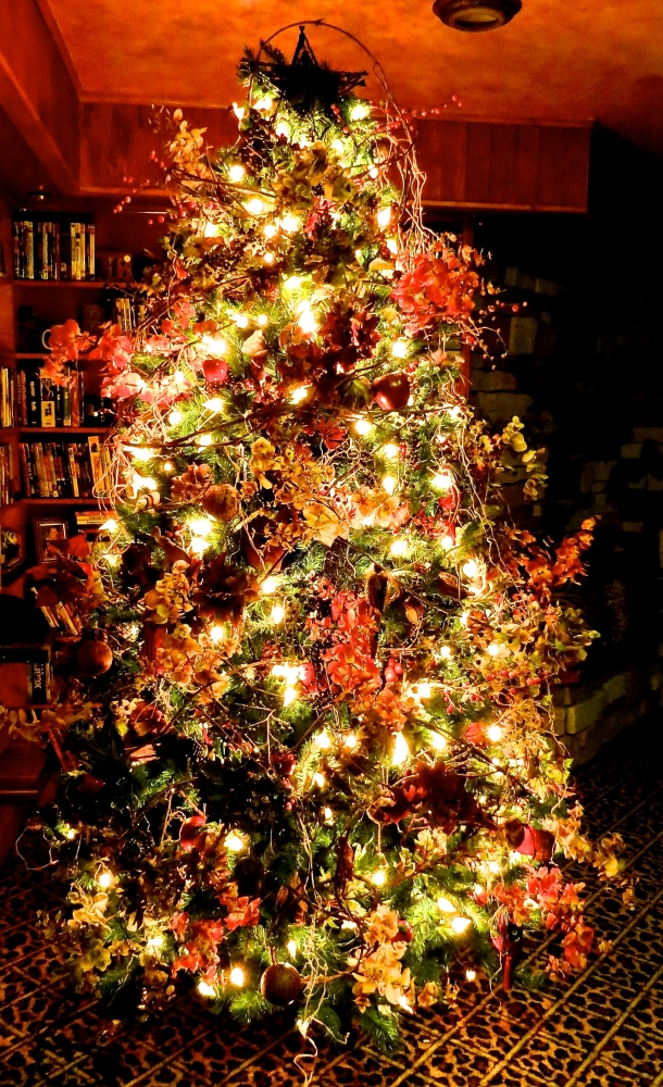 Decking the Halls For The Holidays: Part Three- Decorating the Tree (6/6)