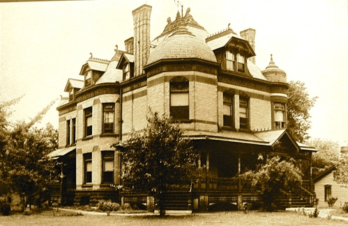 The oldest known photograph of 321 Division Street. from the early 1900's
