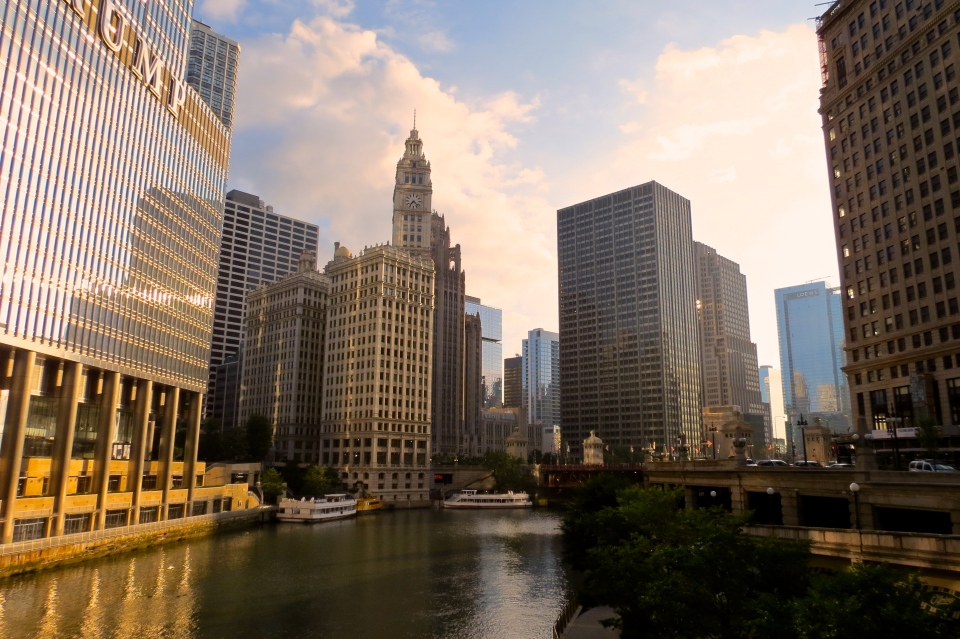Good Morning Chicago. Early morning cityscape from Upper Wacker Drive and the Chicago River.