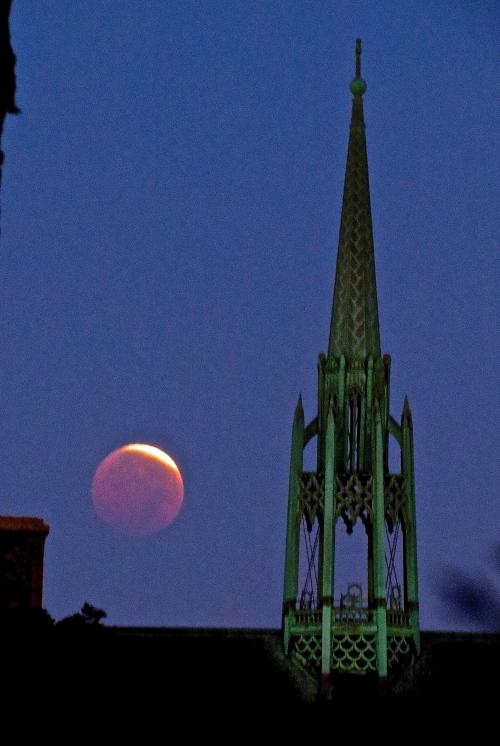 Lunar Eclipse Over Elgin, at dawn. October 8th, 2014.