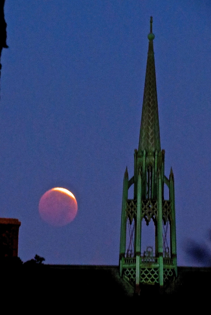 Lunar Eclipse Over Elgin, at dawn. October 8th, 2014.