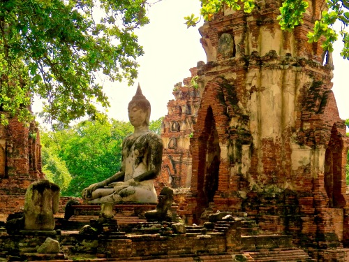 Buddha among the ruins at Wat Mahathat.