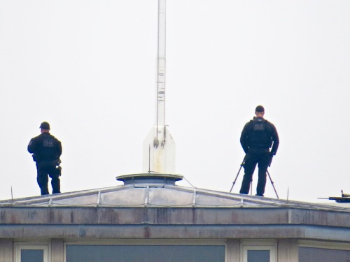 Security on top of the roof of the White House/