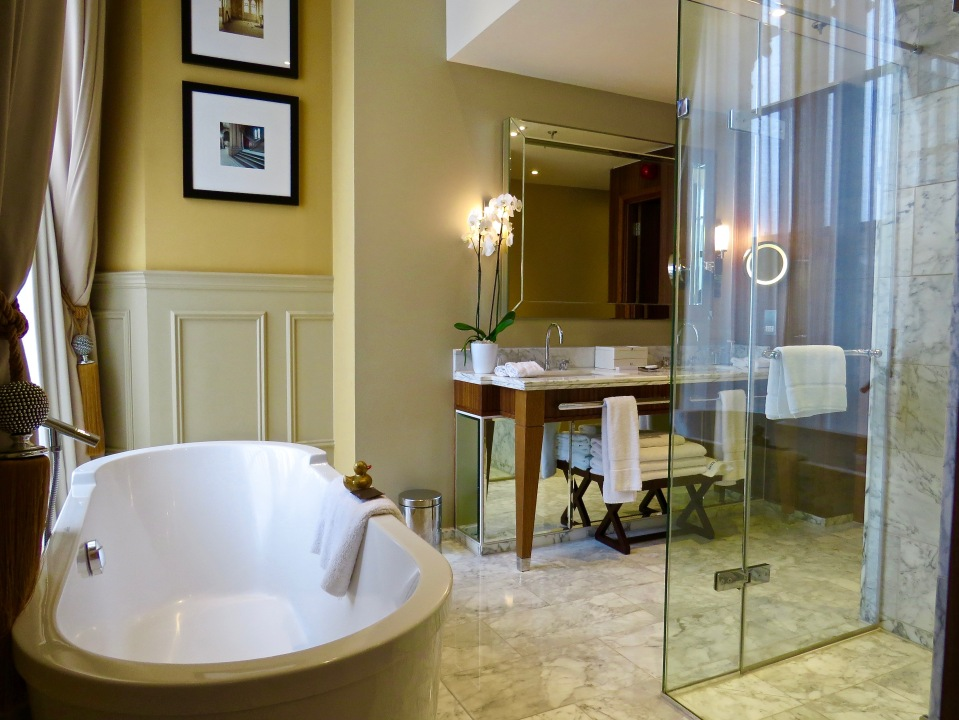 The bathroom in the Sir George Gilbert Scott Suite.
