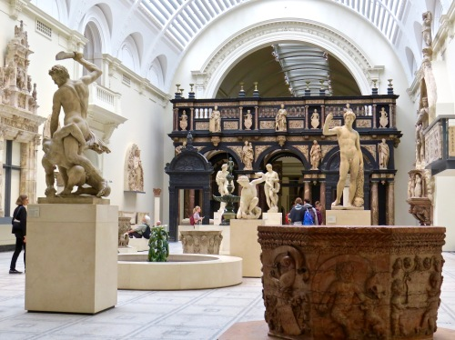 Beautifully displayed art in in the Victoria and Albert Museum.