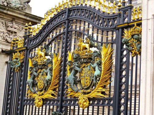 The royal gate at Buckingham Palace.