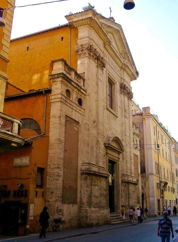 The exterior of Chiesa de Gesu E Maria.