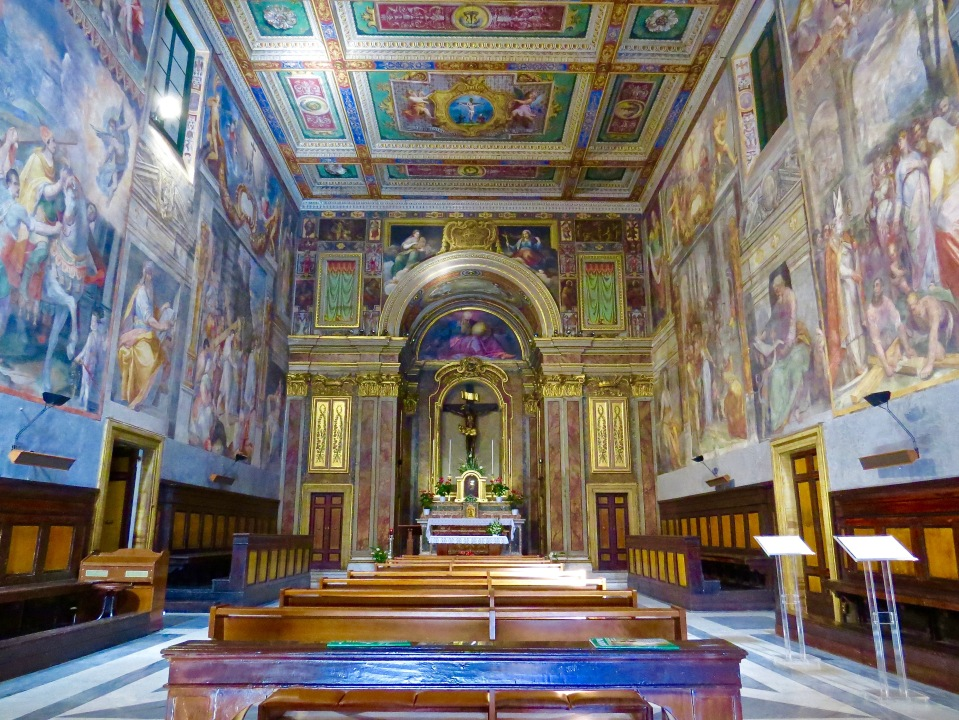 Interior of Oratorio del Santissimo Crocifisso.
