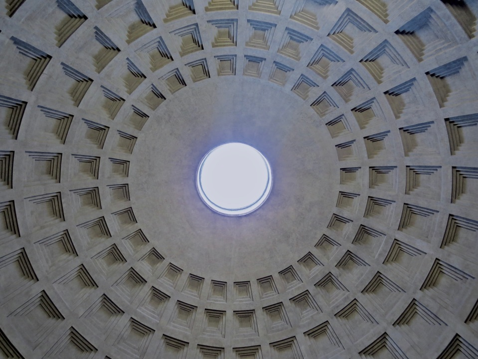 Looking up at the oculus in the Pantheon.