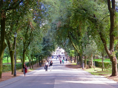 A morning stroll through Villa Borghese Gardens.
